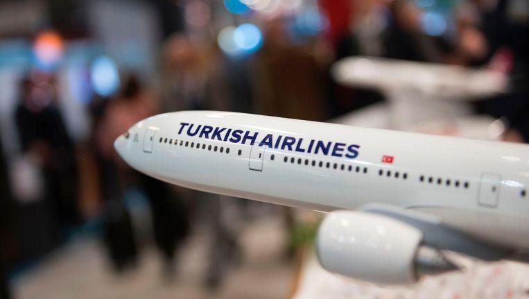 Een modelvliegtuig van Turkish Airlines op een reisbeurs in Berlijn. Beeld AFP