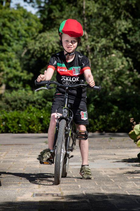 Yannieck (7) fietst in zijn wijk al bijna 5000 euro bij elkaar voor NEC