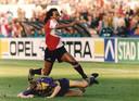 1993: Gaston Taument in actie tegen Vitesse.