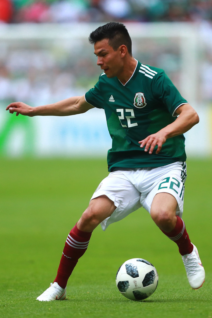 Hirving Lozano in het shirt van Mexico.