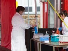 Geen voorrang op coronatest voor zorgpersoneel en docenten in teststraat Zelhem