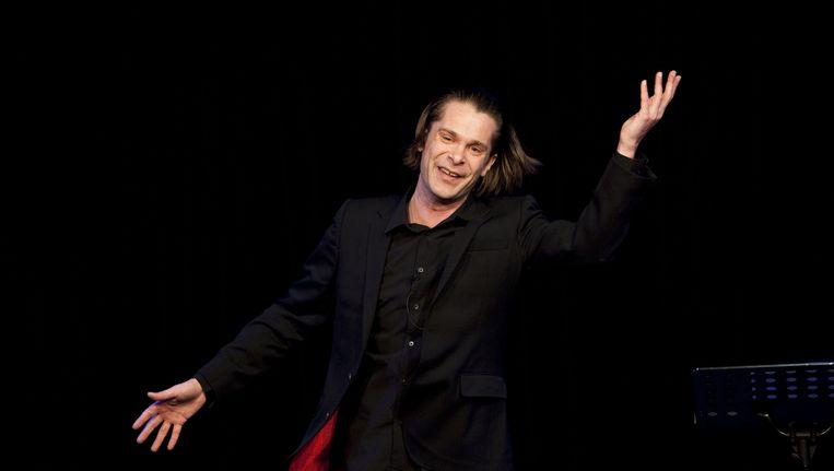 Hans Teeuwen in Amsterdam met zijn cabaretvoorstelling Spiksplinter. Beeld ANP