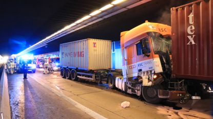 Opnieuw verkeersellende na zware crash  in Beverentunnel