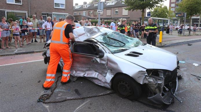 De Peugeot die op 26 augustus voor een ravage zorgde op de Boschmeersingel.