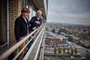 Yvonne Spiele en Frits Groosjohan van de VvE van de Olympusflat in Hillegersberg.