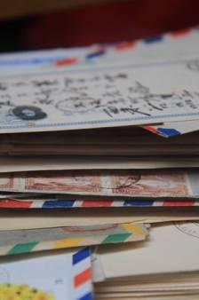 """24.000 lettres retrouvées chez un facteur lassé de son métier """"trop barbant"""""""