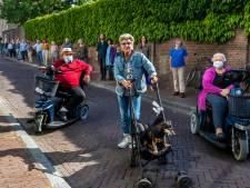 Karel V laat fietsbeugels verplaatsen, bewoners Springweg 'pissed': 'Wij krijgen nu de overlast'