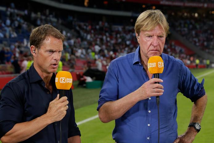 Aad de Mos (rechts) als analist bij Ziggo Sport.