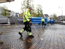 Kees en Gert-Jan vooral maandag druk met het schoonste winkelgebied van Nederland