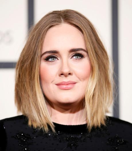 'Gescheiden Adele vestigt zich weer in Londen'