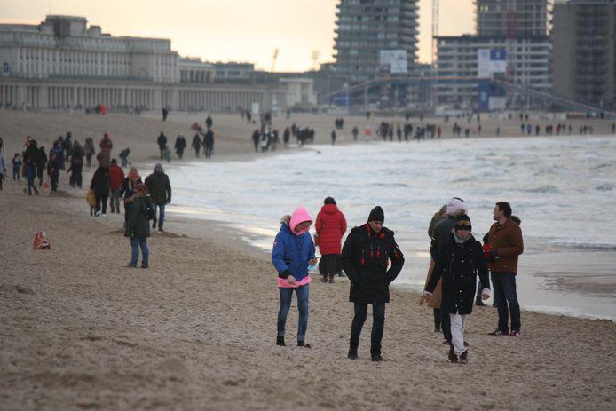 Heel wat mensen kwamen tijdens de kerstvakantie een frisse neus halen aan zee.