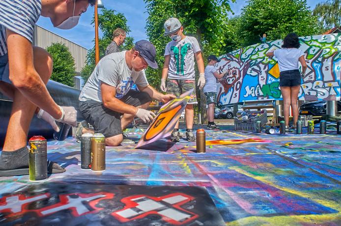 In de aanloop naar de herindeling zetten Uden en Landerd een festival op poten in en bij Markant, inclusief een workshop graffiti.