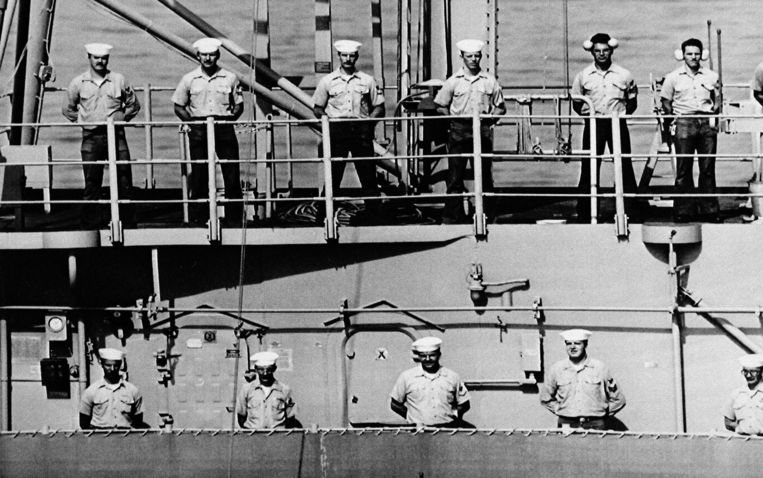 De bemanning van de  USS Vincennes in juli 1988.