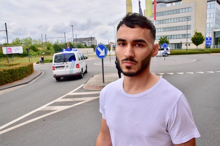Ayub Patsagov (21) probeerde met zijn vrienden het slachtoffer op te vangen bij z'n sprong, maar kwam net te laat.