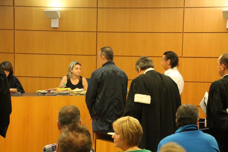 Lars V.B. en Nico B. in de rechtbank. B. is mogelijk verkeerd gedagvaard volgens zijn advocaat.