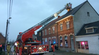 Moeilijk te doven schoorsteenbrand in Bosstraat