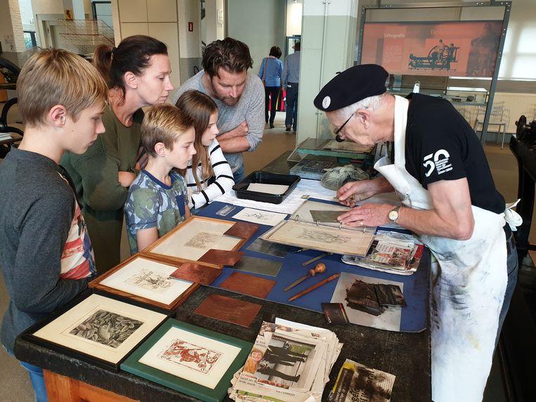 In het museum mocht dit weekend iedereen gratis binnen voor rondleidingen, workhops of om zich te laten fotograferen als speelkaartenfiguur