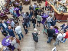 Vrijwilligers en betrokkenen nemen afscheid van het asielzoekerscentrum in Goes