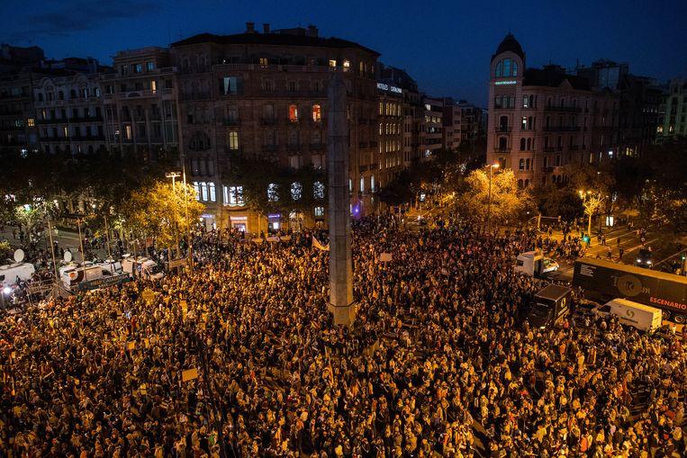 Tienduizenden mensen kwamen gisteren op straat tegen de opsluiting van 'beide Jordi's'.