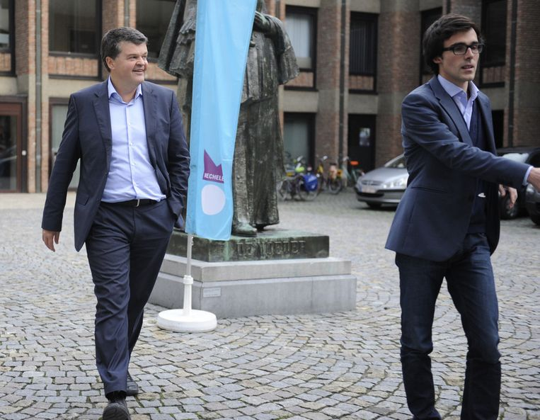 Bart Somers en Kristof Calvo, respectievelijk lijsttrekker en lijstduwer van de Mechelse stadslijst Vld-Groen-M+ .