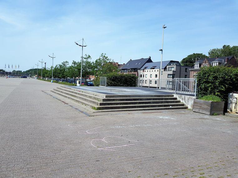 De fontein op het Stationsplein staat droog en dat is met deze warme dagen natuurlijk jammer voor wie afkoeling zoekt in Halle.