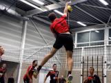Volleyballers Mytilus geven concurrent een pak slaag