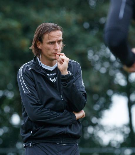 Assistent en clubicoon Van der Sloot twee jaar langer bij TOP Oss
