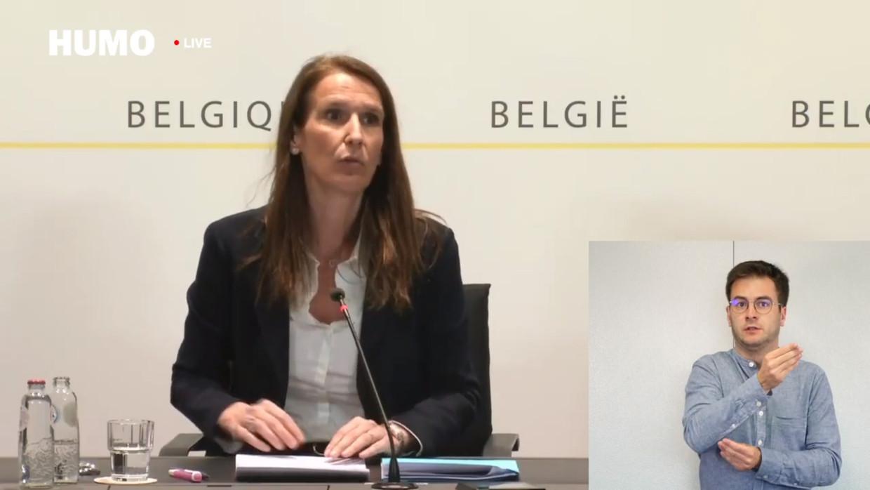 Sophie Wilmès tijdens de persconferentie Beeld HUMO