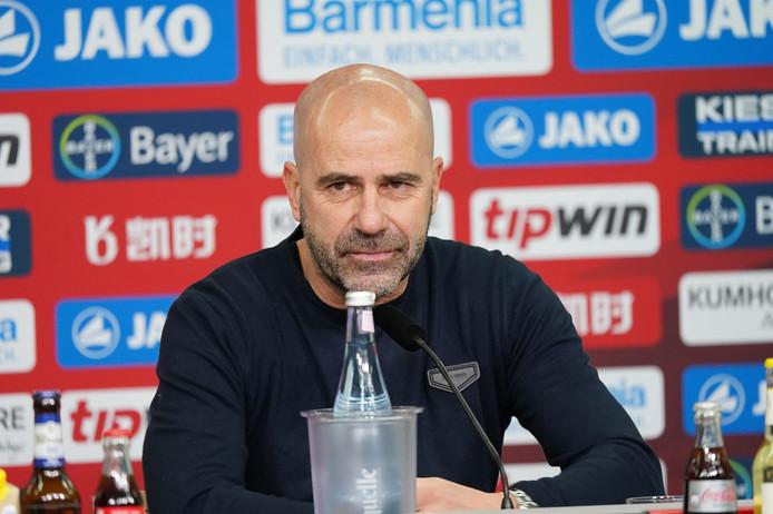 Peter Bosz uit Apeldoorn staat volgens het Duitse dagblad Bild op het punt zijn krabbel te zetten onder een nieuwe tweejarige verbintenis bij Bayer Leverkusen.