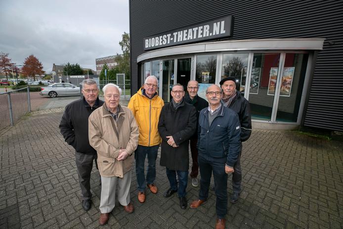 Kees Dekkers, Kees van de Biggelaar, Arjen Schat, Hans van Empel, Loek van den Hurk, Harrie van Vroenhoven en Paul Maas.