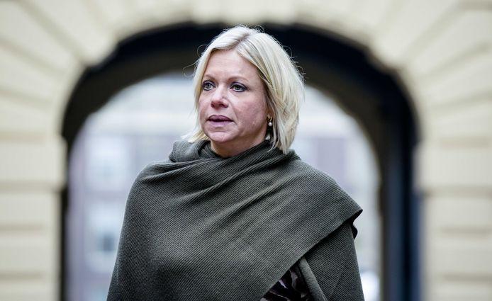 Jeanine Hennis hield vol dat er 'voor zover bekend' geen burgerslachtoffers waren gevallen.