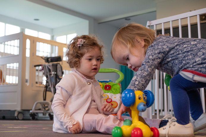 De kinderen Josephine en Stephanie worden verzorgd bij Kinderhospice Binnenveld in Barneveld.