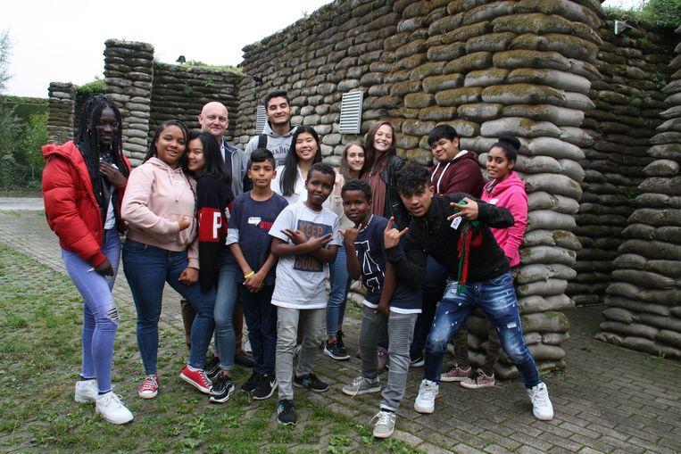 Leerlingen van het Margareta Maria Instituut Kortemark en van 't Saam campus Wilgendijk Diksmuide werken samen aan een lied in het kader van het project Con-Front van muziekclub 4AD