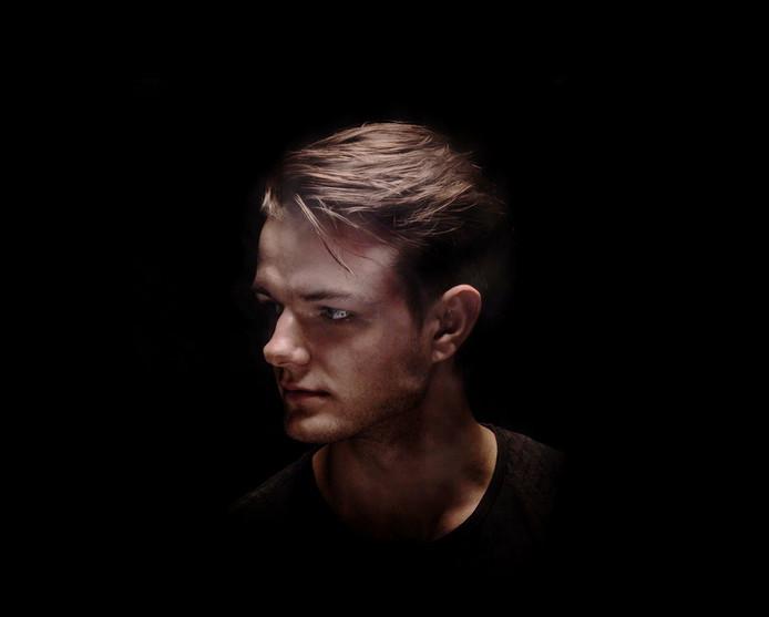 Eén van de artiesten die in Apeldoorn optreedt tijdens de Popronde is SNARESKIN.