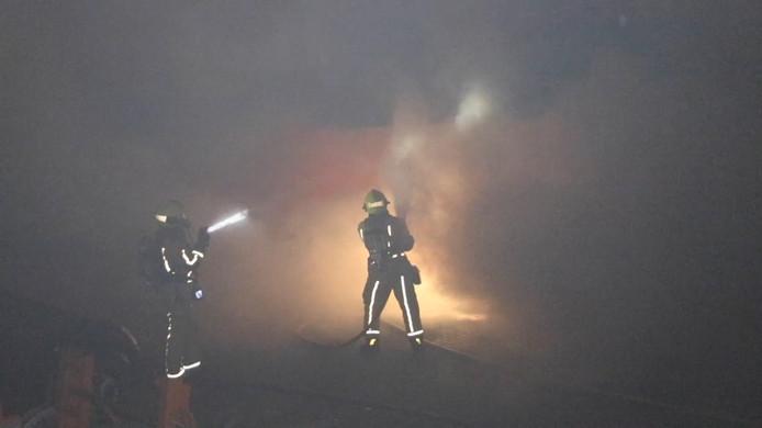 Als gevolg moesten dertien mensen naar het ziekenhuis en zijn er meerdere voertuigen uitgebrand.