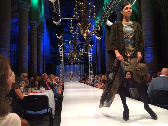 Voorafgaand aan de show van Addy van den Krommenacker was de catwalk voor topstukken uit exclusieve dameswinkels als Luna moda donna, Moniek Mode, Mikaya fashion, Avalon, Tiare, Delscher, Diverso, Jewel en Bella Donna.