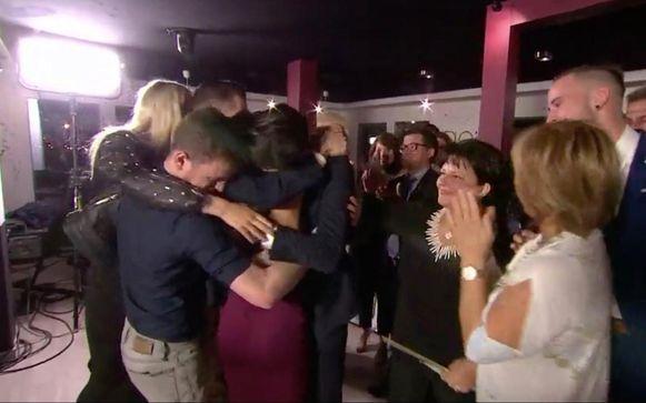 Mitchell vroeg Daniela ten huwelijk tijdens de finale van het programma.