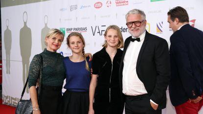 """""""Theater over familiedrama's, dat is hoognodig"""": hele gezin van An Miller en Filip Peeters acteert mee"""