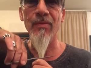 Florent Pagny dit adieu à sa longue barbichette à cause de ses fans