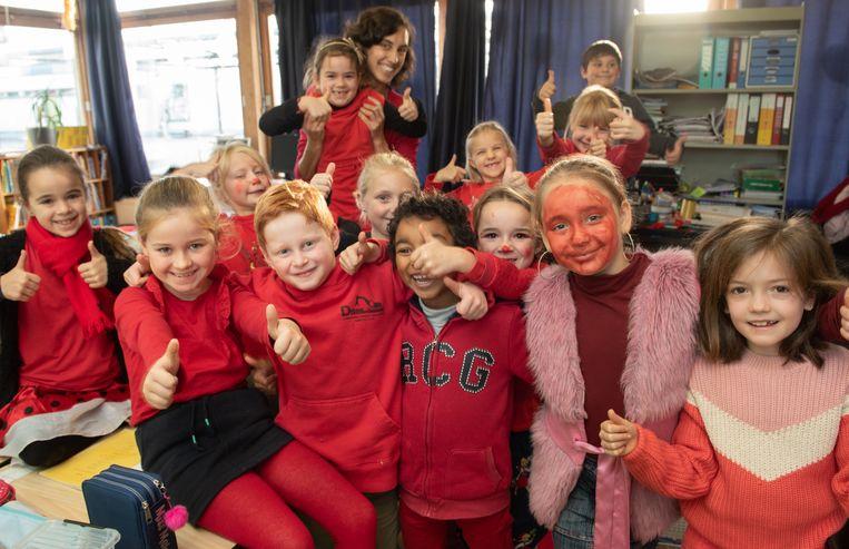 ...en zelfs rode gezichten in de lagere school.