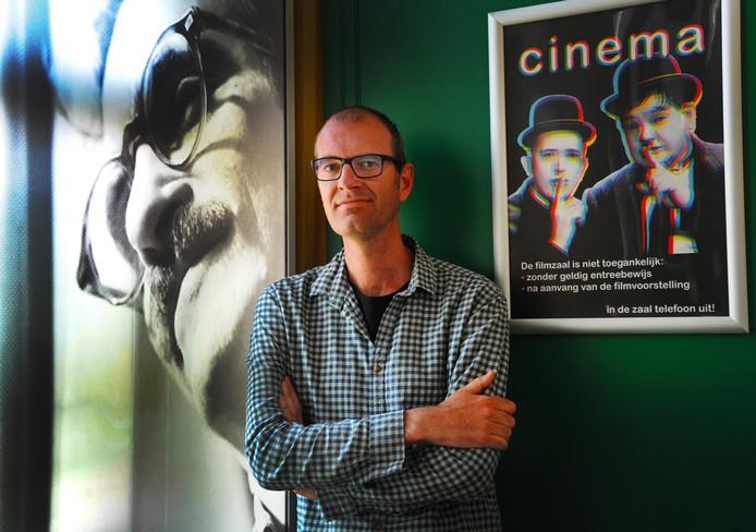 Simon Blaas van Cinema Middelburg zit in de jury voor de filmprijs van Europa Cinemas op het Internationaal Film Festival van Karlovy Vary. ,,Ik mag dertien films bekijken en vergelijken; een heerlijke positie.''