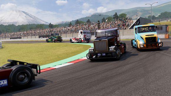 Elementen die heel specifiek zijn aan truckracen, zoals het afkoelen van oververhitte remmen, ziten ook in het spel.