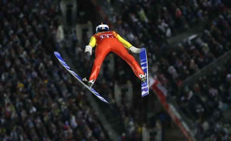 De Duitser Andreas Wank tijdens het schansspringen voor landenteams Beeld ap