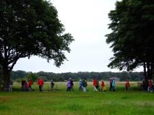 Dauwtrappen nieuwe stijl in Ter Aar: zwerfafval opruimen tijdens wandelen