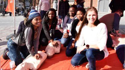 Studenten tonen hoe je mensenleven redt