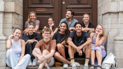 Dertien jonge kunstenaars bouwen eigen expo: OPENBARE WERKEN