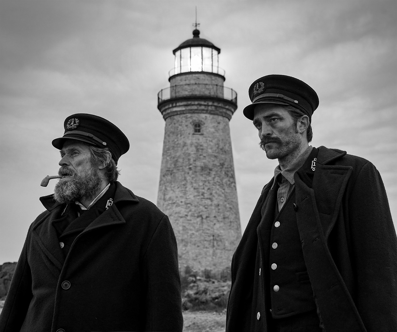 Willem Dafoe (links) en Robert Pattinson in The Lighthouse Beeld