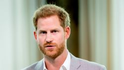 """Prins Harry kan moeilijk wennen aan nieuwe leven na 'Megxit': """"Hij mist z'n tijd bij het leger"""""""
