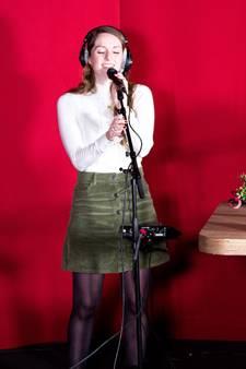 Zangeres Simone steelt harten van luisteraars Qmusic: 'Ik ben overspoeld met leuke reacties'