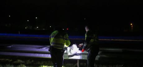 Auto klemgereden op A58 bij Bergen op Zoom tijdens achtervolging: verkeer stilgelegd